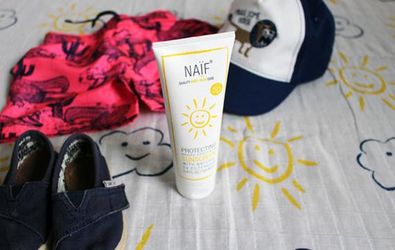 Naïf sunscreen beschermt je kleintje op verantwoorde manier!