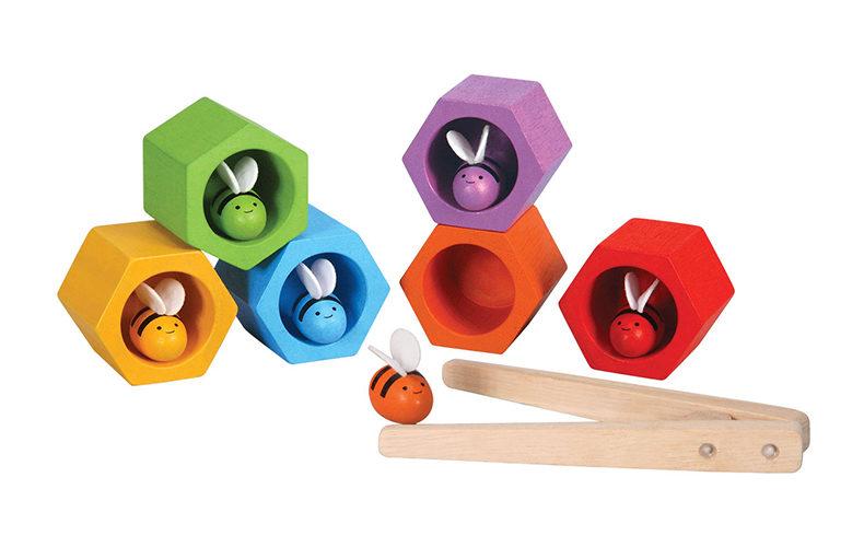 Win de bijenkorf van Plan Toys x 2!