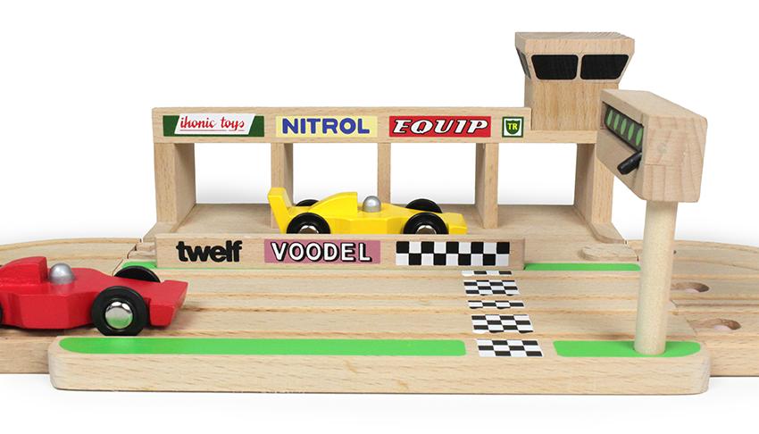 ikonic-toys-race-circuit-oh-yeah-baby