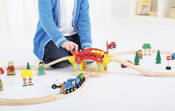De 10 leukste houten treinbaan accessoires