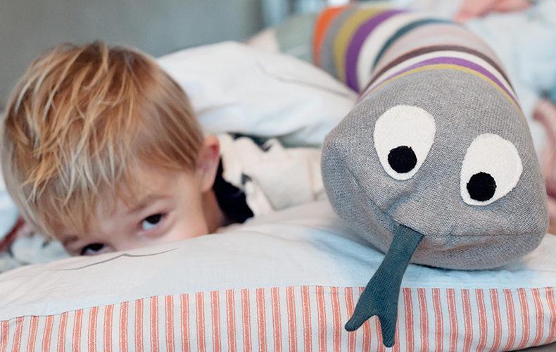 Houdt mister snake Otis in zijn bed?