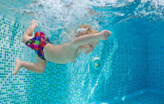 Ode aan de moeder met 4 kinderen op zwemles