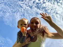 Als je kind voor het eerst gaat vliegen, maar niet met jou