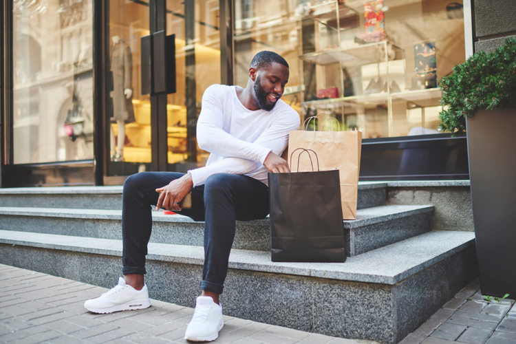 man shoppen